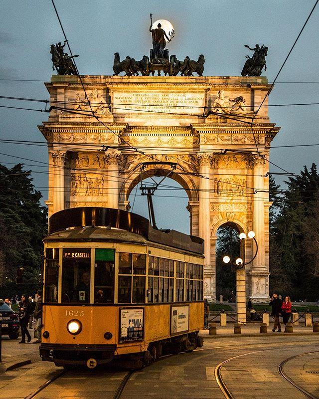 Tram Milano foto di Enzo Mauro (@_enk)