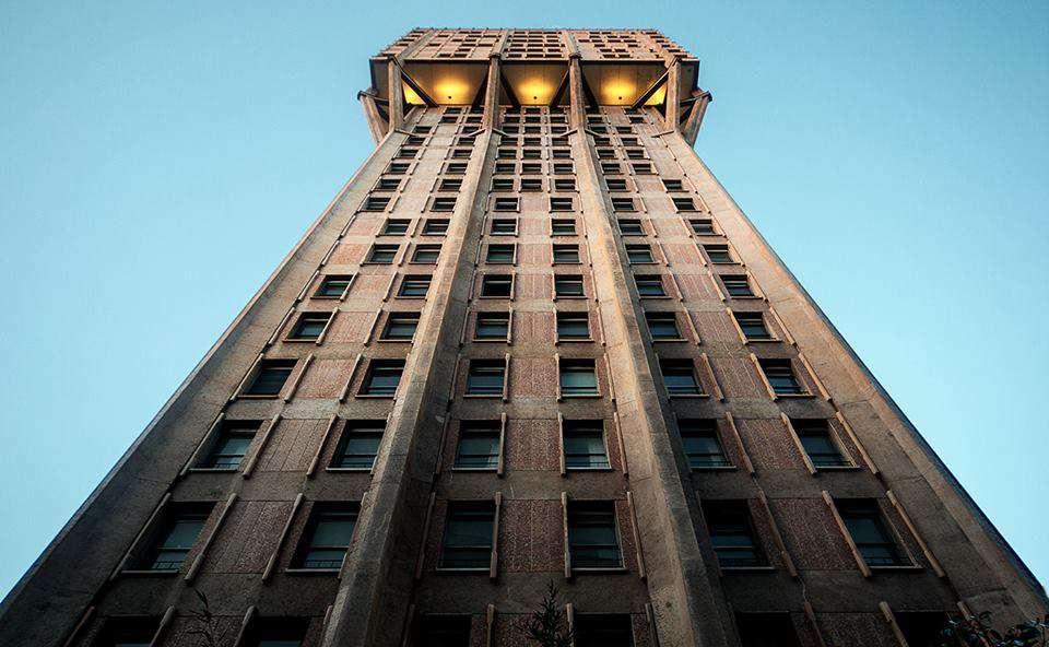 Torre Velasca fotografata da Franco Brandazzi
