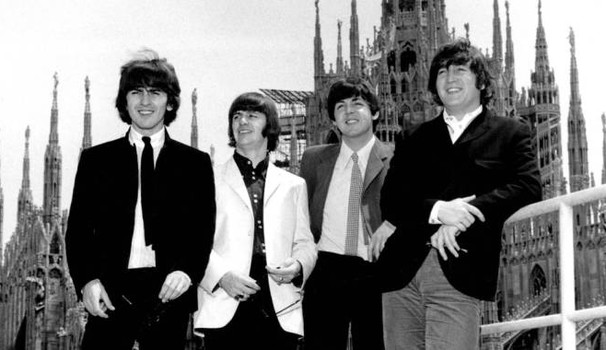 1965 The Beatles suonano al Vigorelli