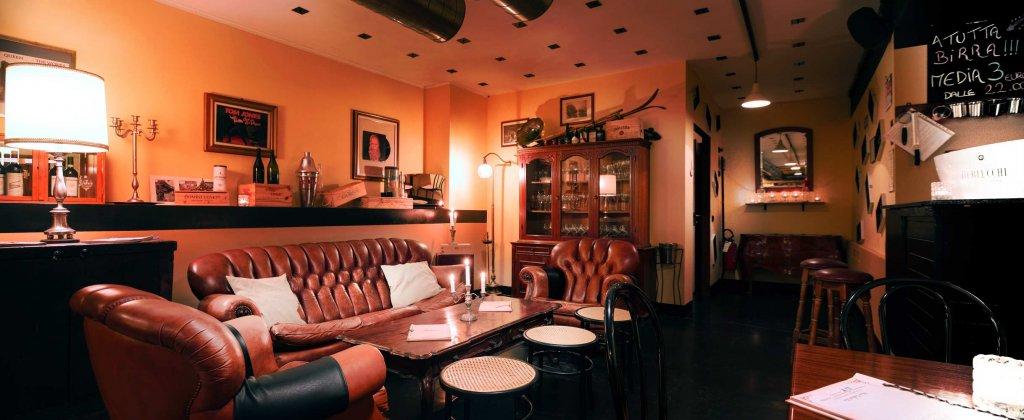 wave cocktails bar