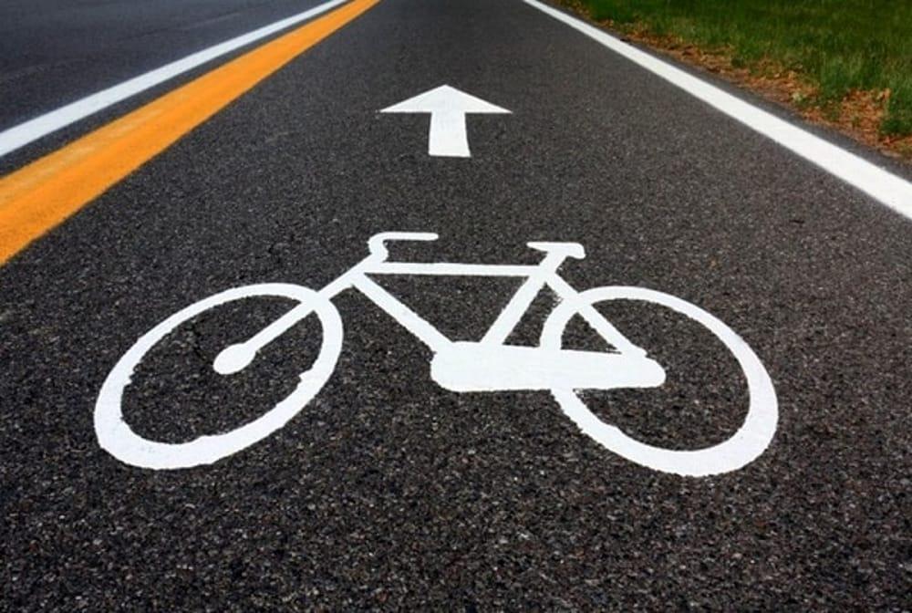 in bici sulla cerchia dei navigli