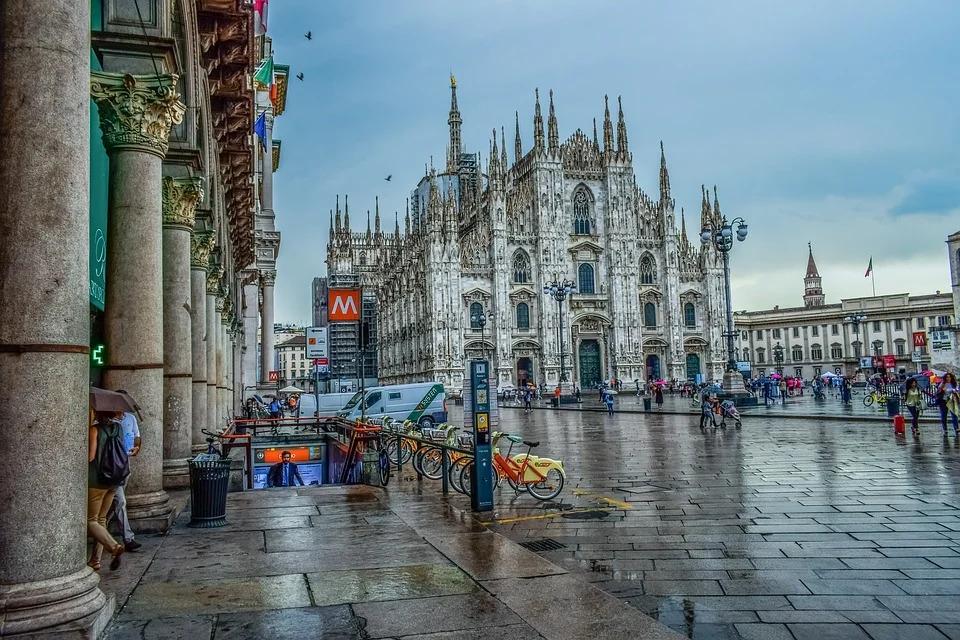 Vivere e scoprire Milano: le migliori app per farlo
