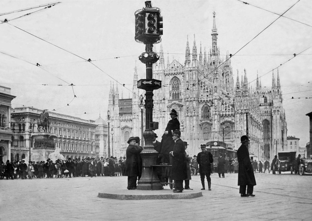 milano primo semaforo italiano